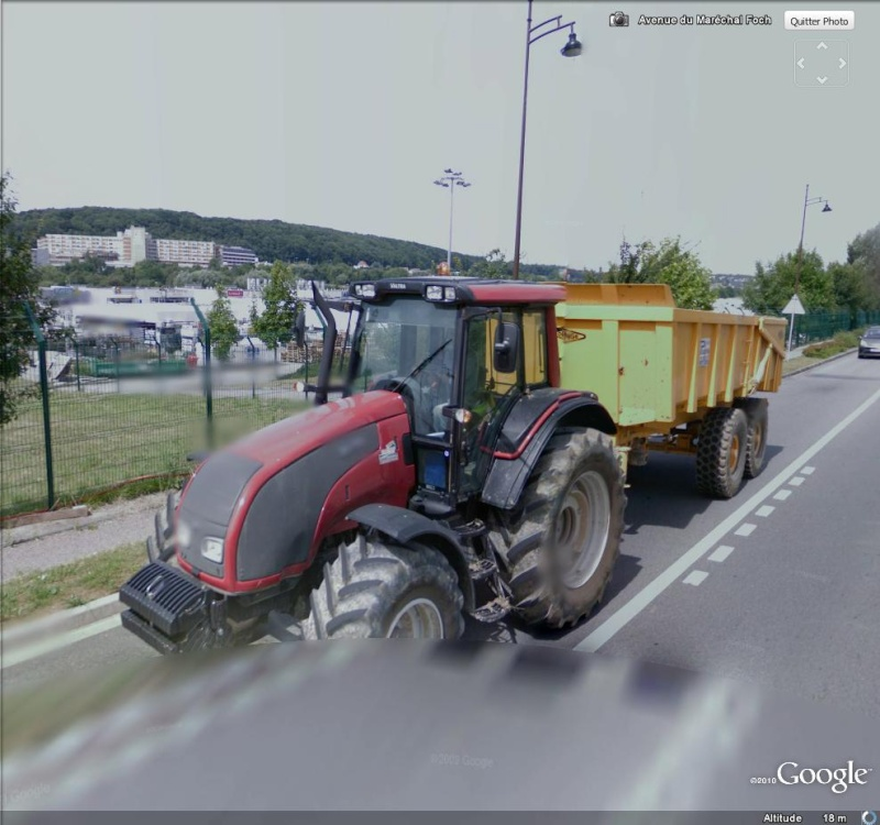 STREET VIEW : les tracteurs en ville ! Tracte10