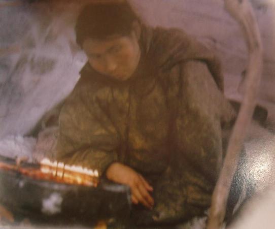Lampes à graisse et matériel de cuisson chez les Eskimos Dsc02410