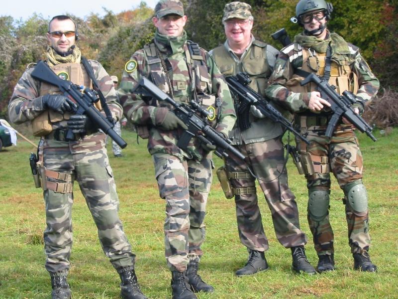 OP avec la Team AT2060 le 31 oct. 2010 Img_0010