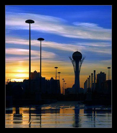 pour - Le Kazakhstan construit une base et une ambassade pour les extraterrestres 64244110