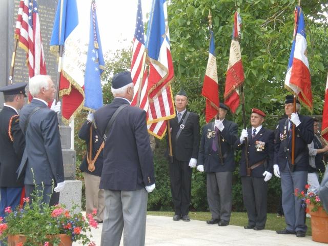 Inauguration et Cérémonie en Hommage au 2nd Lt. Montgomery A. Coddington 474th Fighter Group, KIA le 7 Juin 1944. Imgp2710