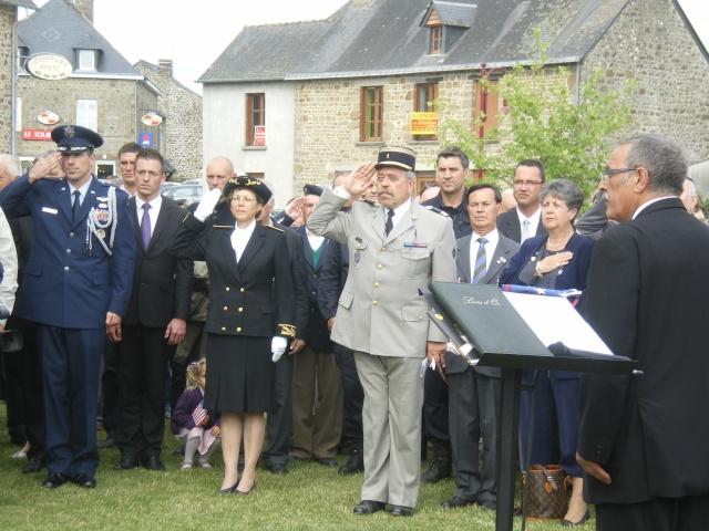 Inauguration et Cérémonie en Hommage au 2nd Lt. Montgomery A. Coddington 474th Fighter Group, KIA le 7 Juin 1944. Imgp2715