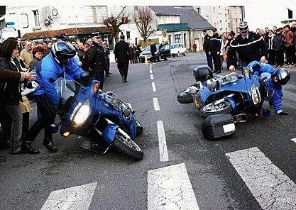VU SUR LE NET.....!!!!!!! Police12