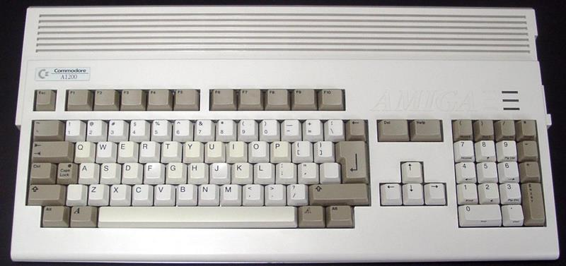 Ordinateurs Commodore Amiga Amiga110