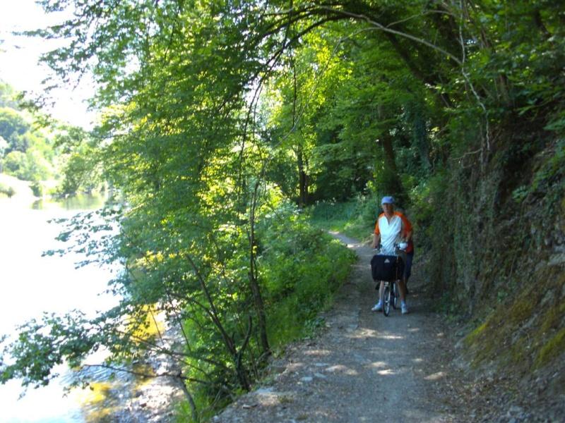 RAVeL 5 Ourthe Liege - Durbuy - Itinéraire N°7 - Sur la route des Ardennes 26_bom10