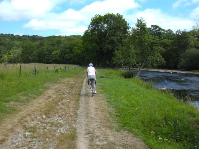 RAVeL 5 Ourthe Liege - Durbuy - Itinéraire N°7 - Sur la route des Ardennes 27_bom10