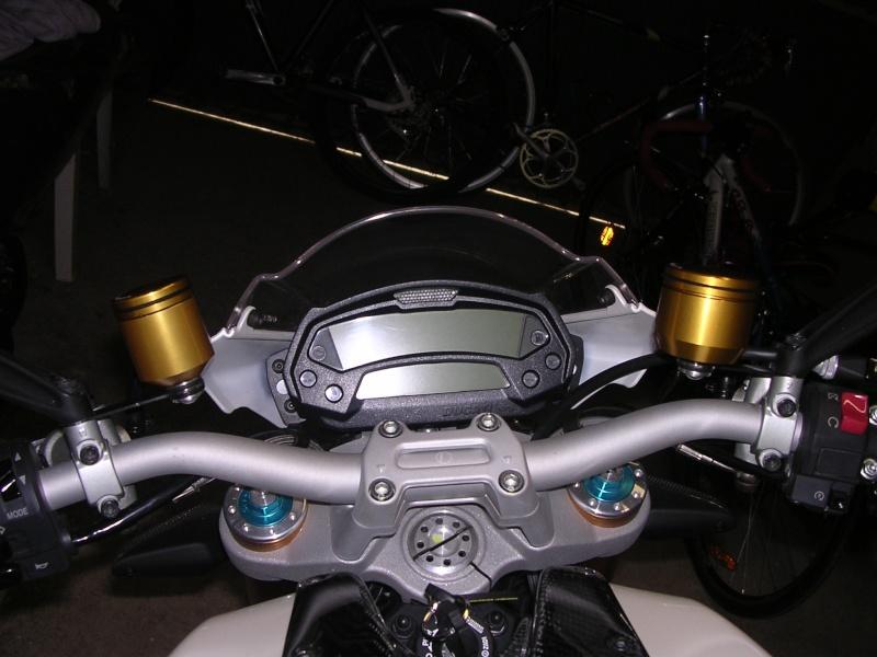 Remplacer ses réservoirs de liquide d'embrayage et frein. Rizoma28