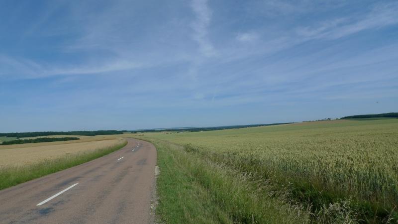 Faut que j'vous raconte  La Ronde des feux de Chaource 2011 L1100710