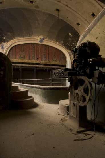 Des ruines - Page 2 Cinema10