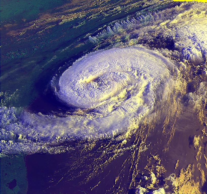 Uragani / Hurricanes Bonnie10