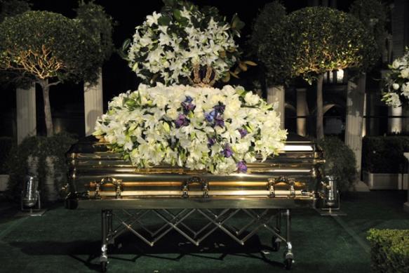 Michael Jackson: probabile riesumazione del corpo _10