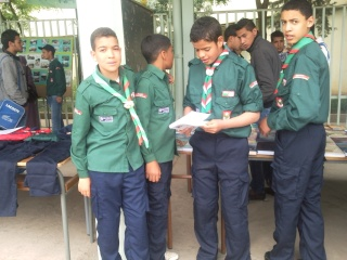 الفوج يشارك الطلبة في إحتفالاتهم 2011-026