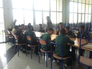 الفوج يشارك الطلبة في إحتفالاتهم 2011-030