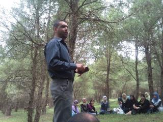 الفوج ينظم رحلة ترفيهية للطلبة المقبلين على إمتحان البكالوريا 2011-038