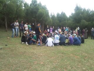 الفوج ينظم رحلة ترفيهية للطلبة المقبلين على إمتحان البكالوريا 2011-042