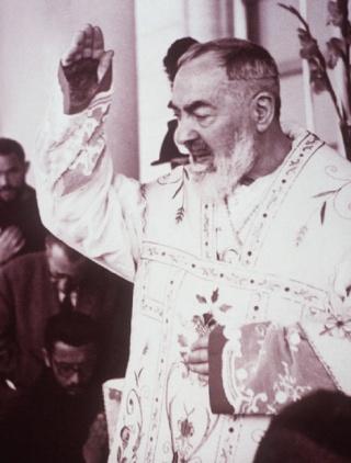 Bonne Fête Padre  Pio Padrep10