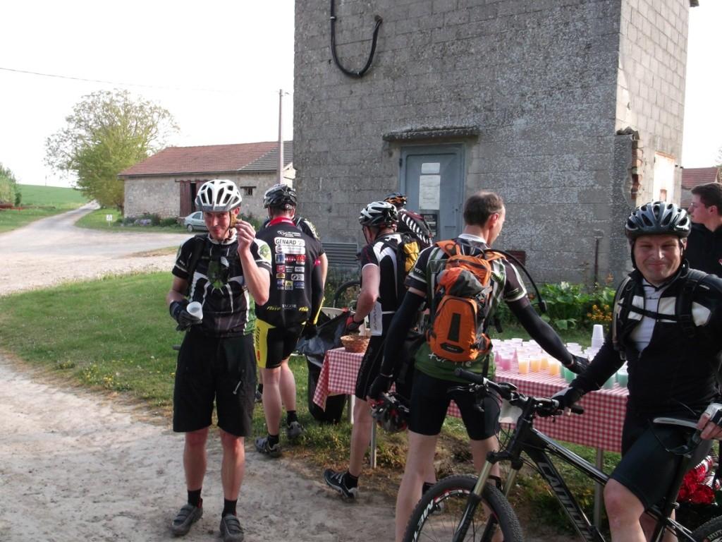 Fort de Condé 24/04/11 - Page 6 F10