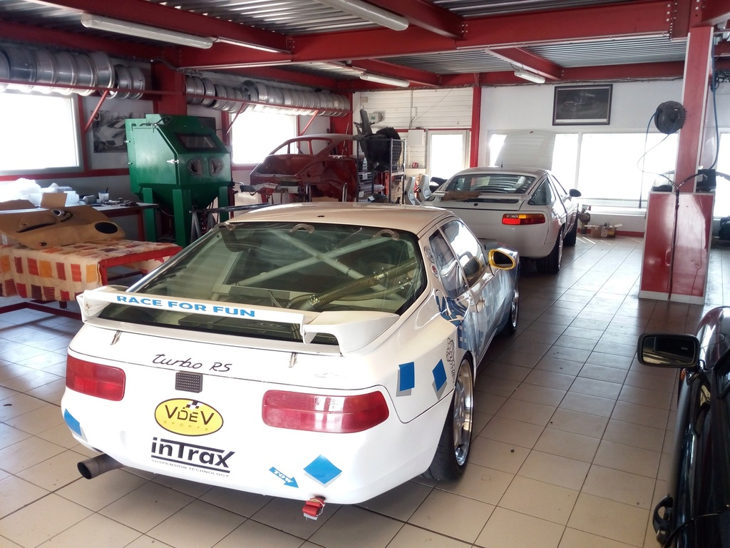 [968 TURBO] Une 968 turbo Rs replica pour courrir - Page 37 Img_2015