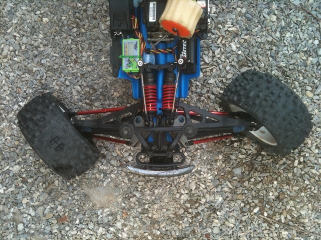 Réglages chassis pour piste TT lente avec nombreux virages - Page 4 00114