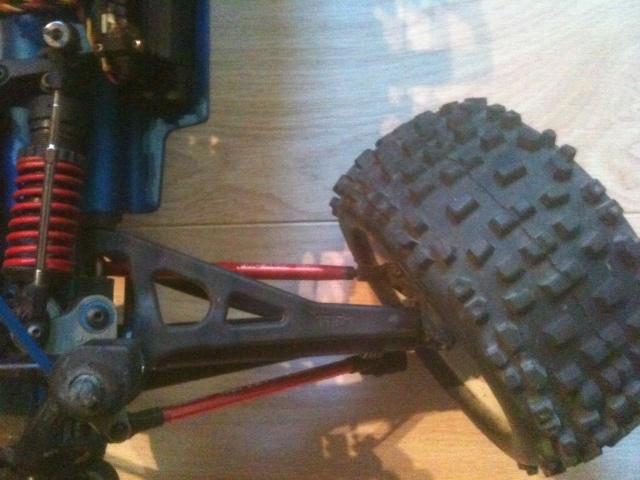 Réglages chassis pour piste TT lente avec nombreux virages - Page 2 00213