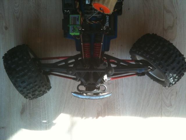 Réglages chassis pour piste TT lente avec nombreux virages - Page 4 00414
