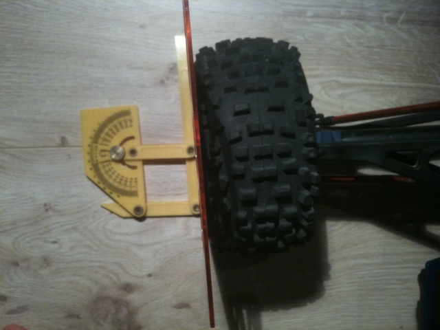 Réglages chassis pour piste TT lente avec nombreux virages - Page 4 00710