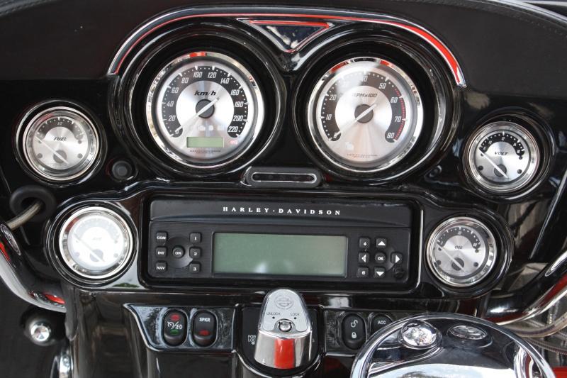 Moto Radio / Antennes / MP3 Harley - Page 16 Img_5413