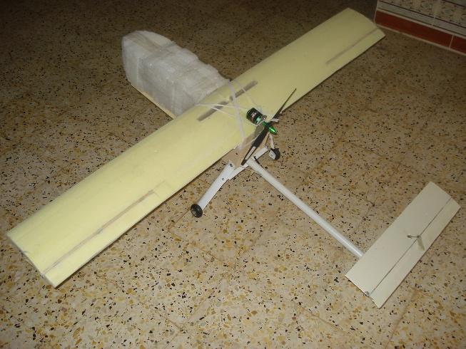 construction de modèle réduit - Page 3 Dsc05010