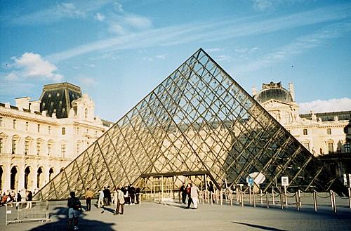 L'ESOTERISME DE LA PYRAMIDE DU LOUVRE Pyrami13
