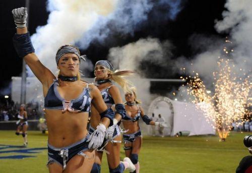 Mujeres Jugando Futbol Americano En Ropa Interior