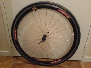 Vend une Paire de roue Zipp 303 à  pneu Roue_a15