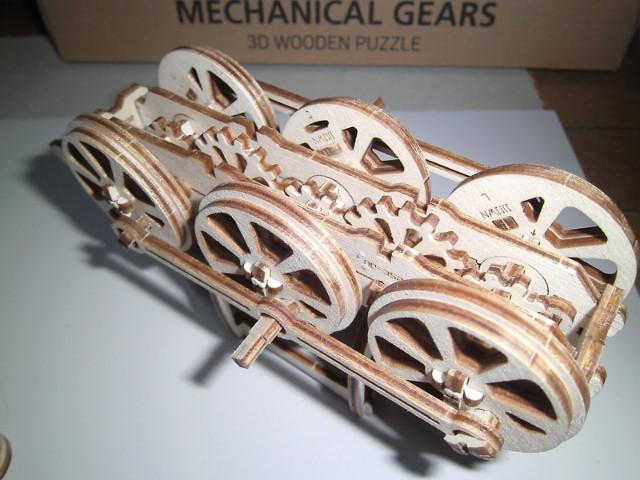Lokomotive mit Tender UG460 von UGEARS Bild0712