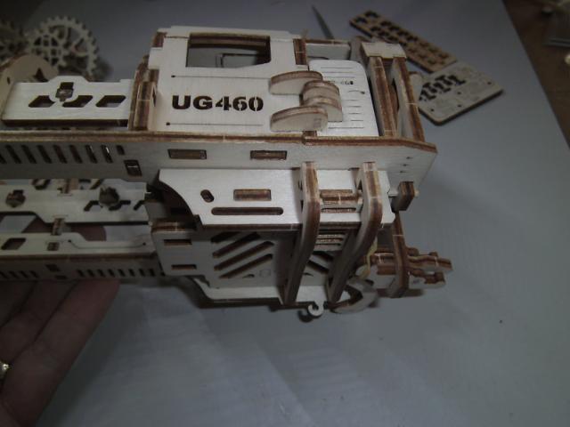 Lokomotive mit Tender UG460 von UGEARS Bild2910