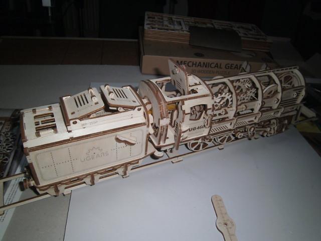 Lokomotive mit Tender UG460 von UGEARS Bild4510