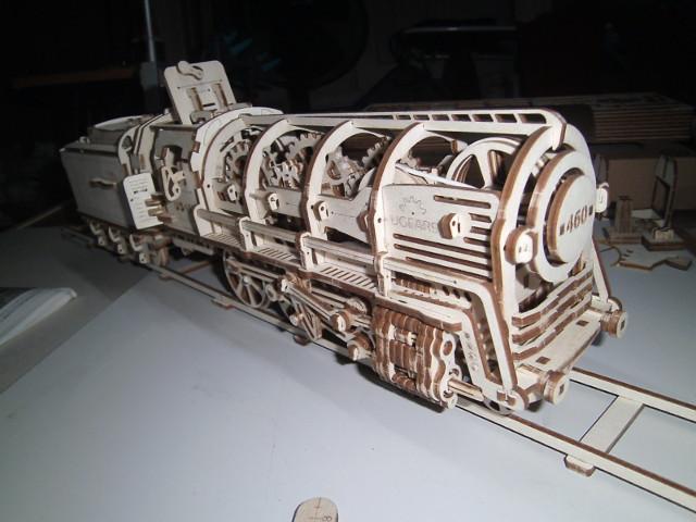 Lokomotive mit Tender UG460 von UGEARS Bild4611