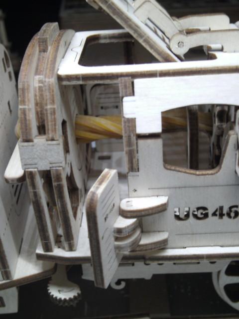 Lokomotive mit Tender UG460 von UGEARS Bild4910