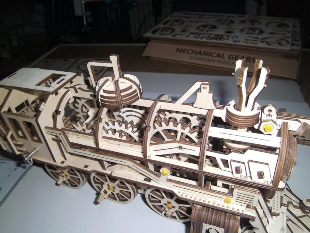 Lokomotive LK701 von ROKR Getrie11