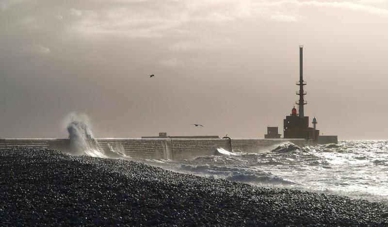Un petit lever de soleil ce matin sur Le Havre - Page 2 Digue010