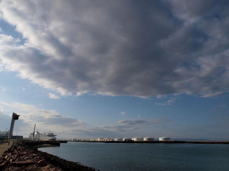 Ciel menaçant sur Le Havre Plange10