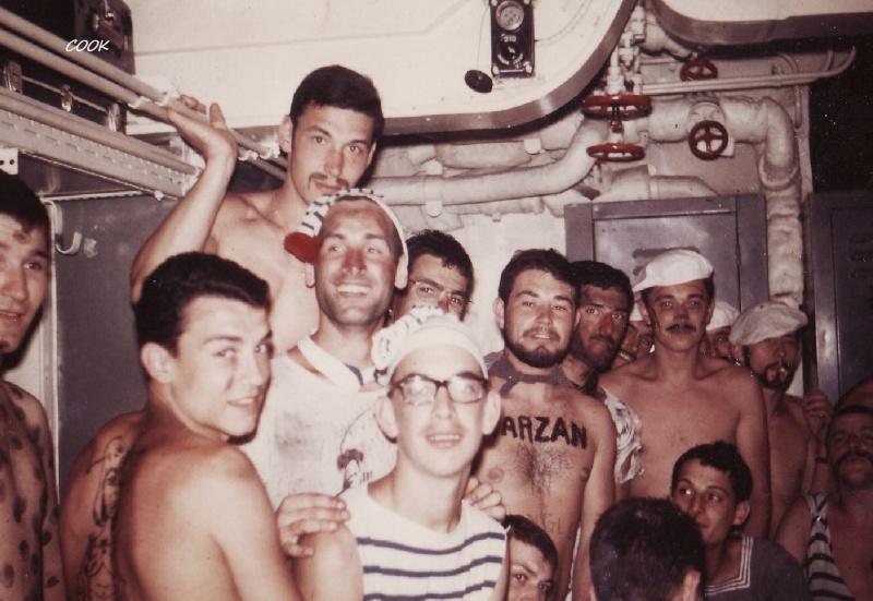 [ Les traditions dans la Marine ] LE PASSAGE DE LA LIGNE - ÉQUATEUR (Sujet unique) - Page 10 Sans_t10