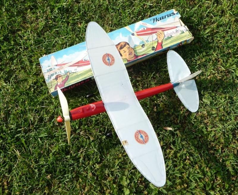 Gunther Flug-Spiele (jouets volants) Avi410