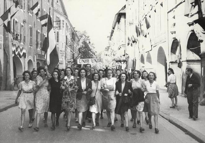 Un groupe de Femmes dans la LUTTE Armée > message aux Femmes du forum et des autres femmes à lire Femmes10