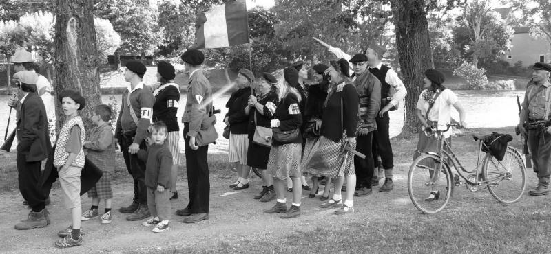 Un groupe de Femmes dans la LUTTE Armée > message aux Femmes du forum et des autres femmes à lire P1100810
