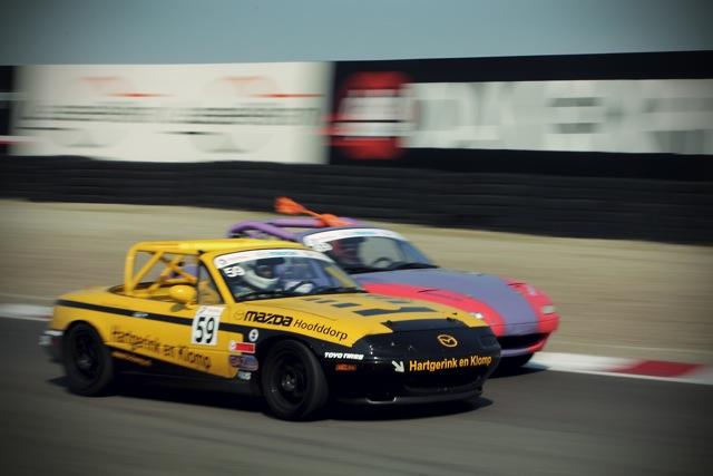 La course auto en Mazda MX-5 - Page 10 Battle10