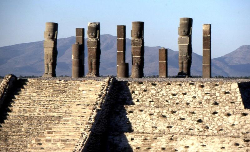 Tula et ses statues de guerriers Tula110