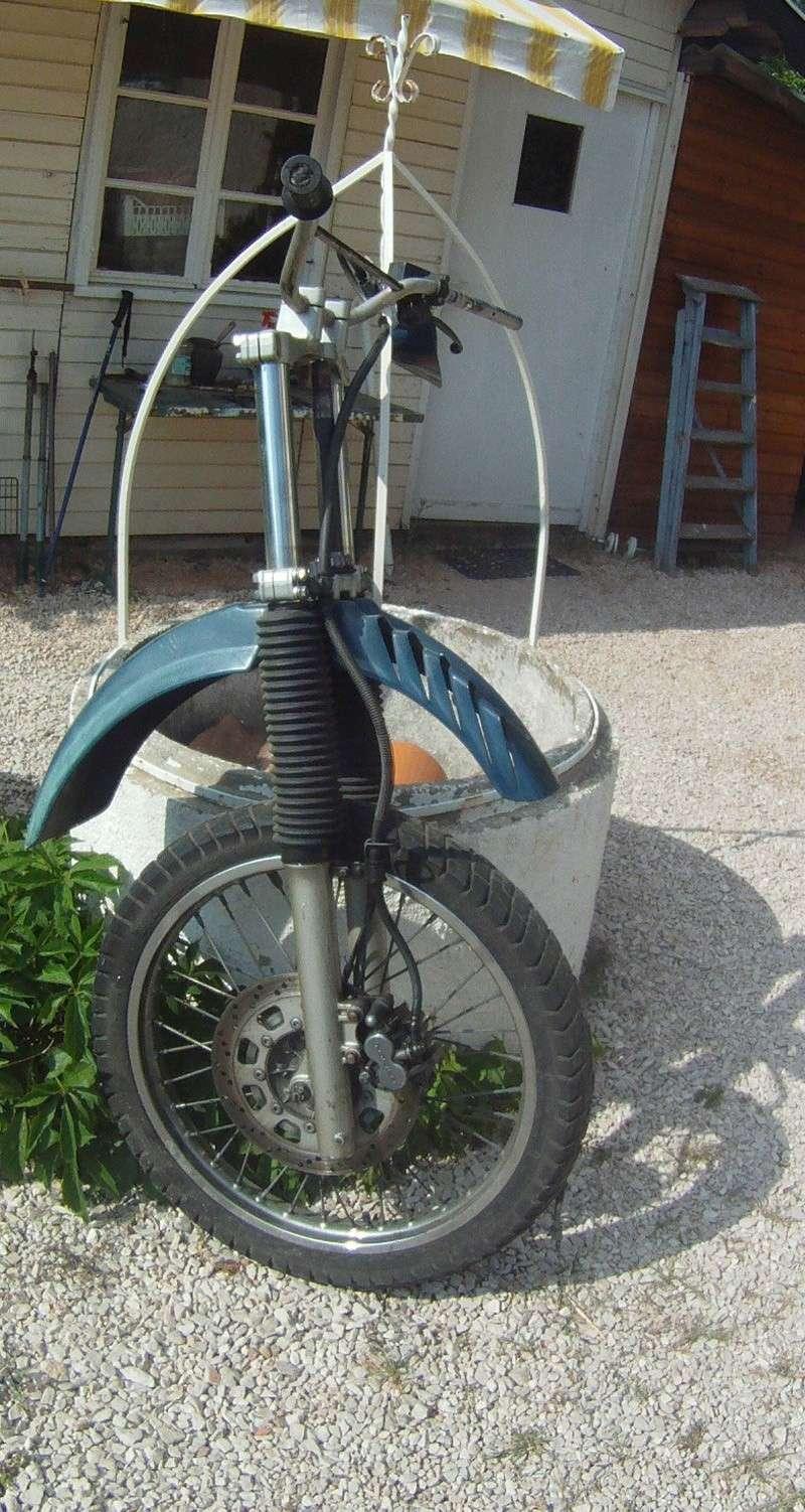 Partie cycle avant complète + roue arrière + disque Gopr0210