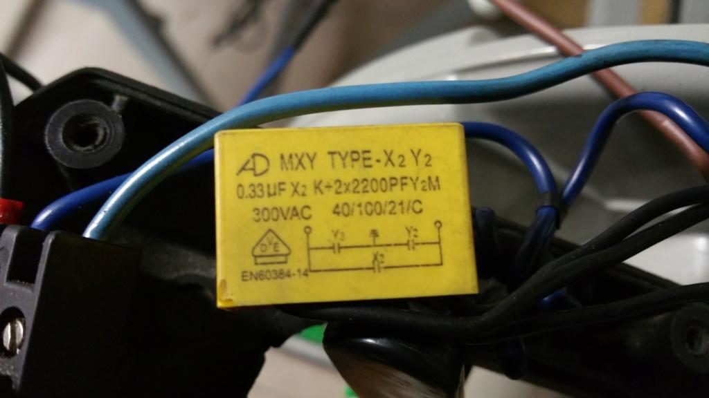 Arcs électriques entre les charbons et le collecteur Conden10