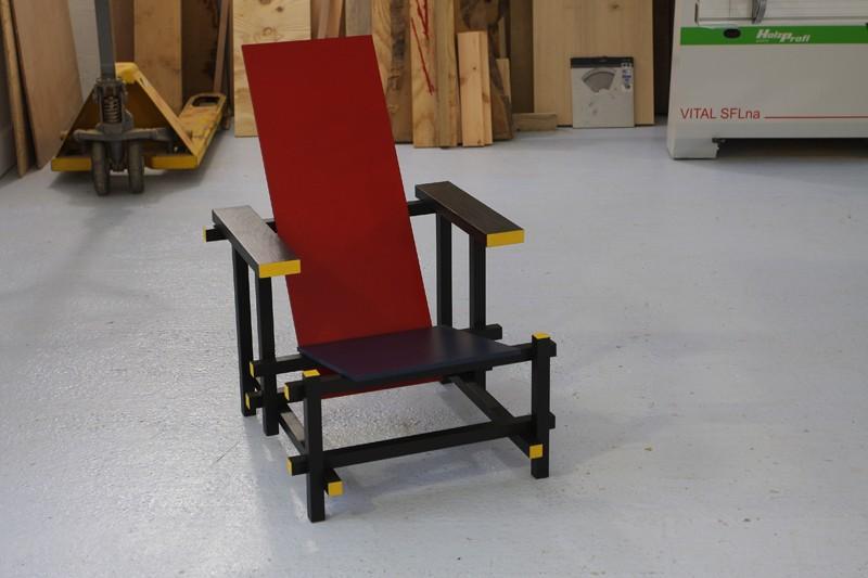 La chaise rouge et bleue de Rietveld 18_jui23