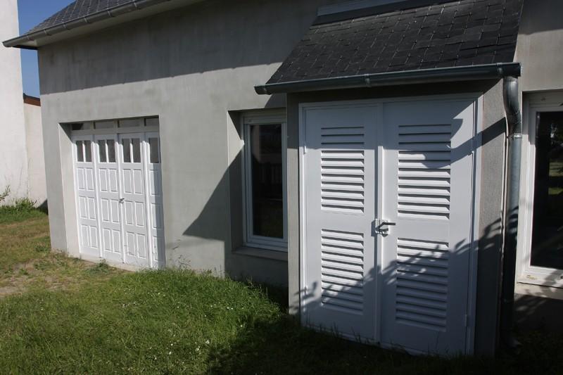 Restauration d'une porte de garage. - Page 2 24_mai14