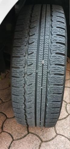 Vendues jante tôle plus pneus Nokian 17 pouces 20201211